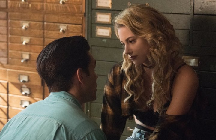 I know this is not #Barchie but OMG Im so happy right now  @CW_Riverdale @WriterRAS <br>http://pic.twitter.com/3dVF9mKimF