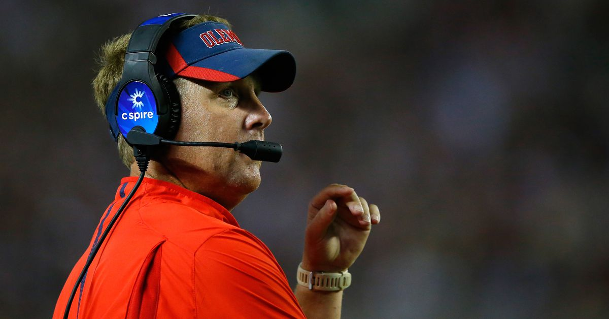 Hugh Freeze will coach in The Alliance of American Football. Here&#39;s what the hell that is.  http:// dlvr.it/QnfvVl  &nbsp;  <br>http://pic.twitter.com/7qXKpJvq1k
