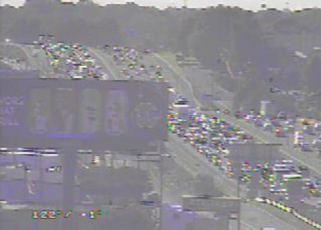 ►►#UPDATE: I-85 Nb before Graham st exit 40 the TWO LEFT lanes are blocked by a wreck...you can&#39;t really see the accident, but look at the resulting traffic!! #Charlotte #CltTraffic #Clt<br>http://pic.twitter.com/VUejh9kPyJ