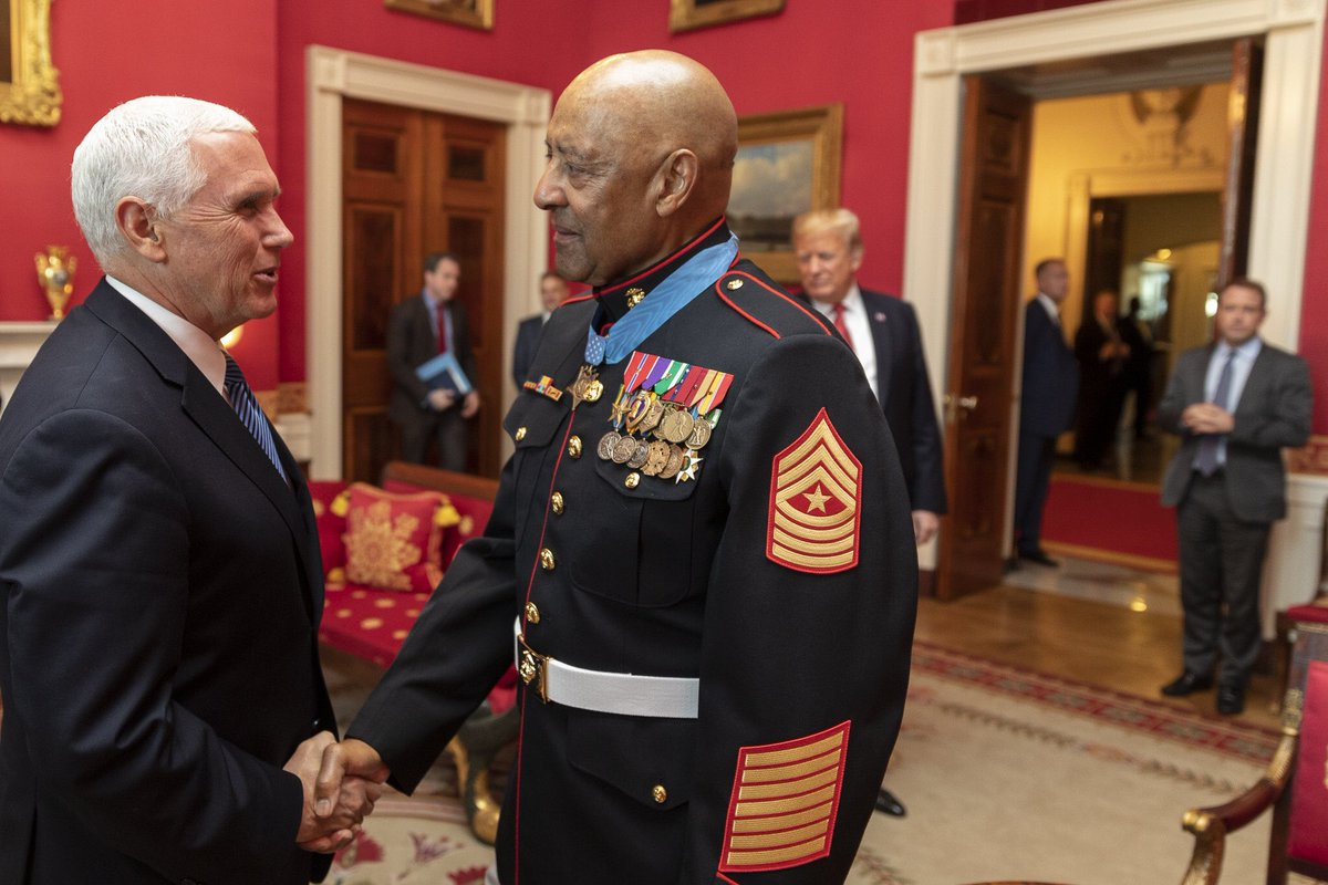 Today @POTUS awarded the #MedalOfHonor to Sergeant Major John Canley, a selfless Patriot who risked his life for his fellow Marines and our freedoms. His courageous actions in Vietnam will never be forgotten &amp; we will always be grateful for his extraordinary service to the US.  <br>http://pic.twitter.com/H2WYt3Rw1u