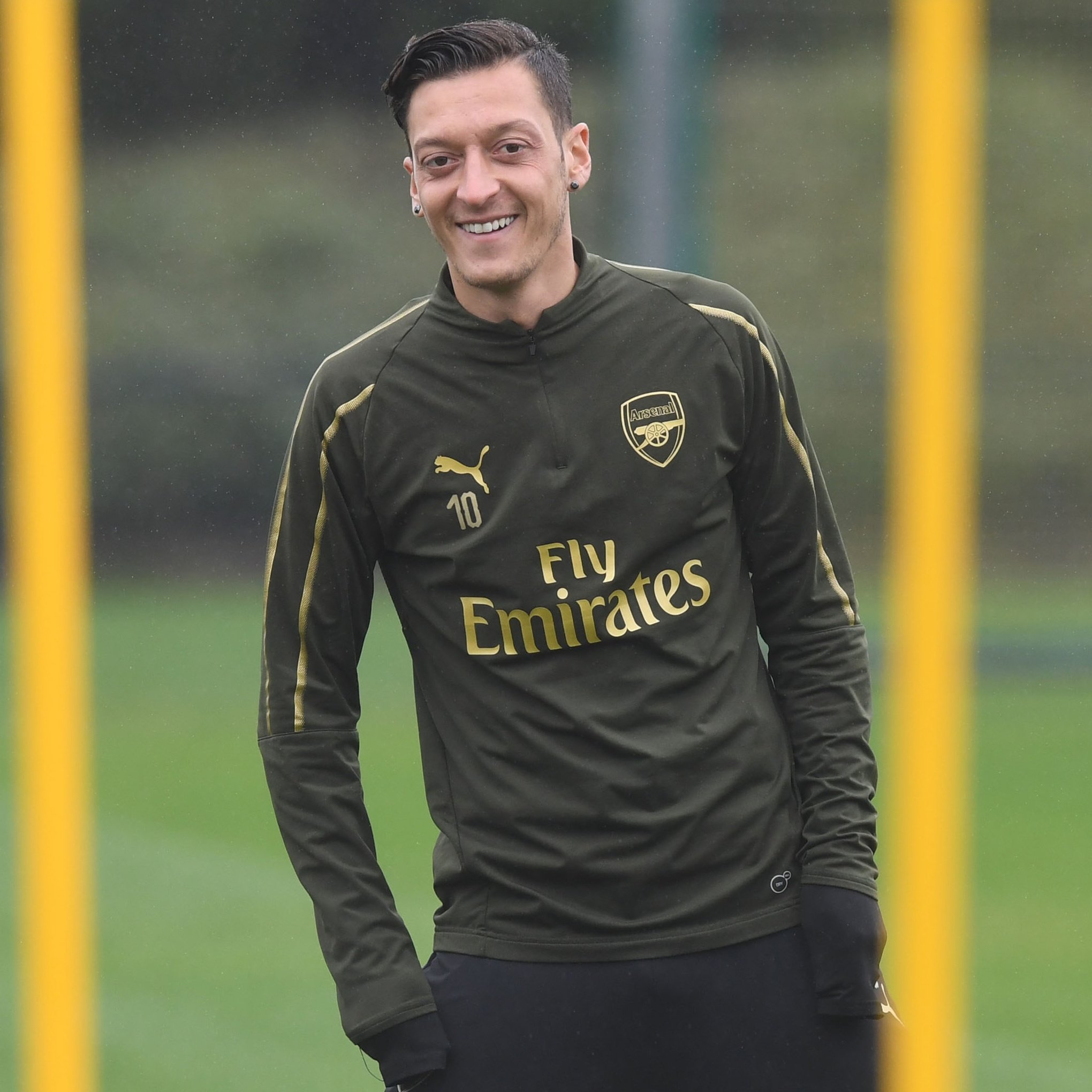 �� We've got Ozil... Mesut Ozil! ��  〽️ @MesutOzil1088 #M1Ö https://t.co/vKXjqdvUT8