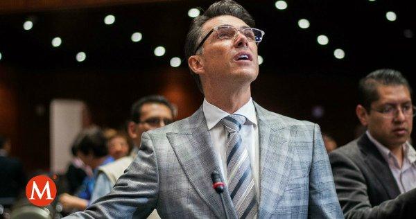 ¡Sergio Mayer ataca de nuevo! Quiere cambiarle el nombre a la Comisión de Cultura https://t.co/rE1DDrd41M https://t.co/YPQEDuqTHD