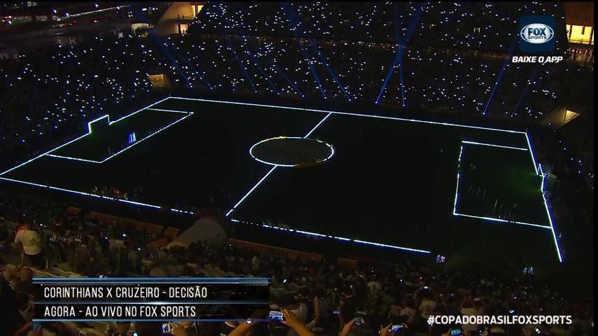Torcida lembra de Star Wars em festa antes da final da Copa do Brasil https://t.co/NxIcHQvaYx