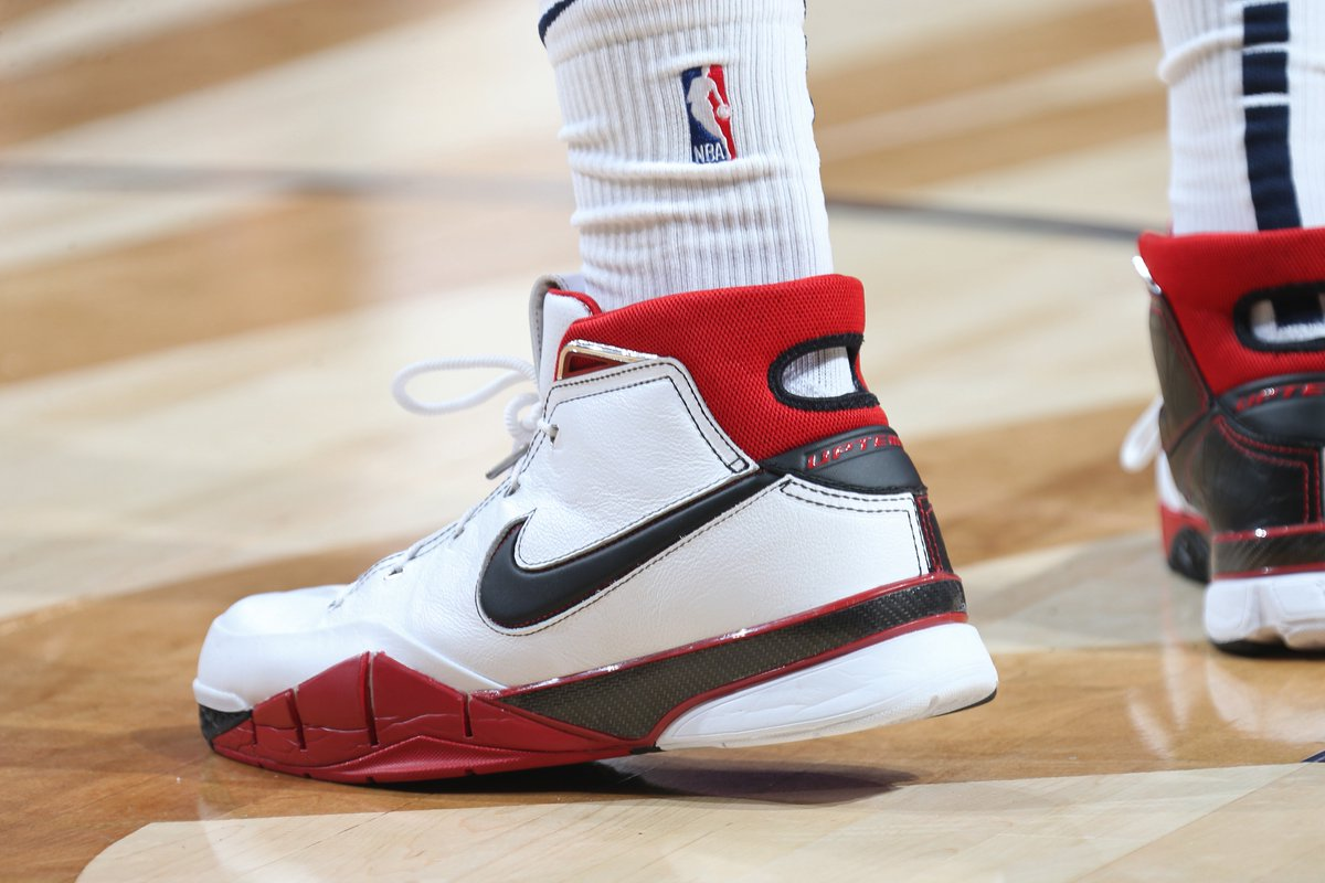 .@J30_RANDLE's kicks tonight #NBAKicks #doitBIG