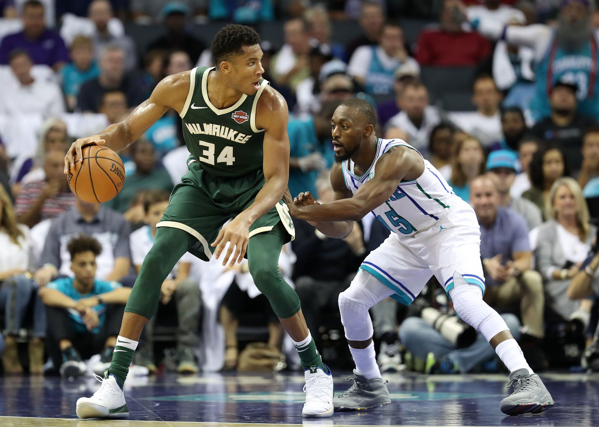 GIANNIS: 22 PTS, 18 REB, 8 AST KEMBA: 39 PTS, 7 3PM  @Bucks 110 | @hornets 105   2 minutes to play on League Pass https://t.co/lO68IbRAMN