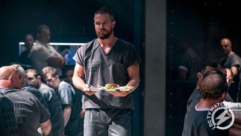 DC TV Watch: New #Arrow Showrunner Dives Deep Into Those Flash-Forwards https://t.co/eptZTljOiM https://t.co/grRKUyxFQk