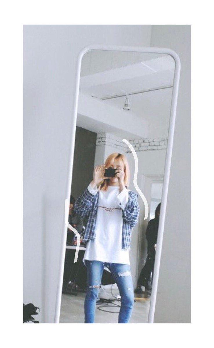 I hope Mirror gets a studio version @RBW_MAMAMOO #MooMooSelcaDay #moolioncracks<br>http://pic.twitter.com/6vcIxRqKrd