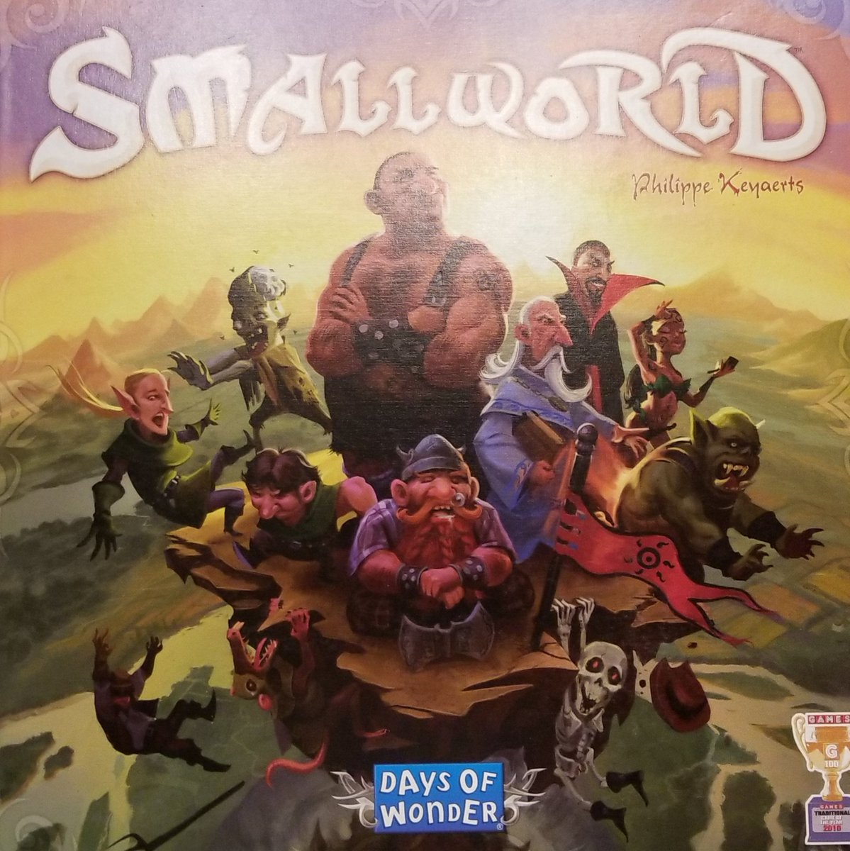 Playing Smallworld by #PhilippeKeyaerts and @days_of_wonder ......in my mind its Risk on speedpic.twitter.com/hnqvoeVamV