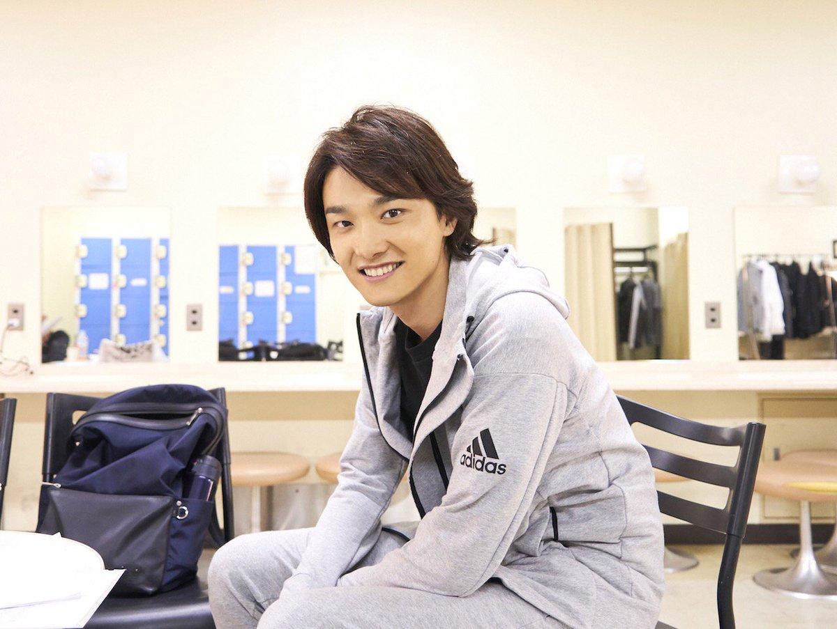グリブラ 公開ゲネプロ 本番前のオフショット井上芳雄 さんの優しいスマイル頂きました♡ いつなんどき