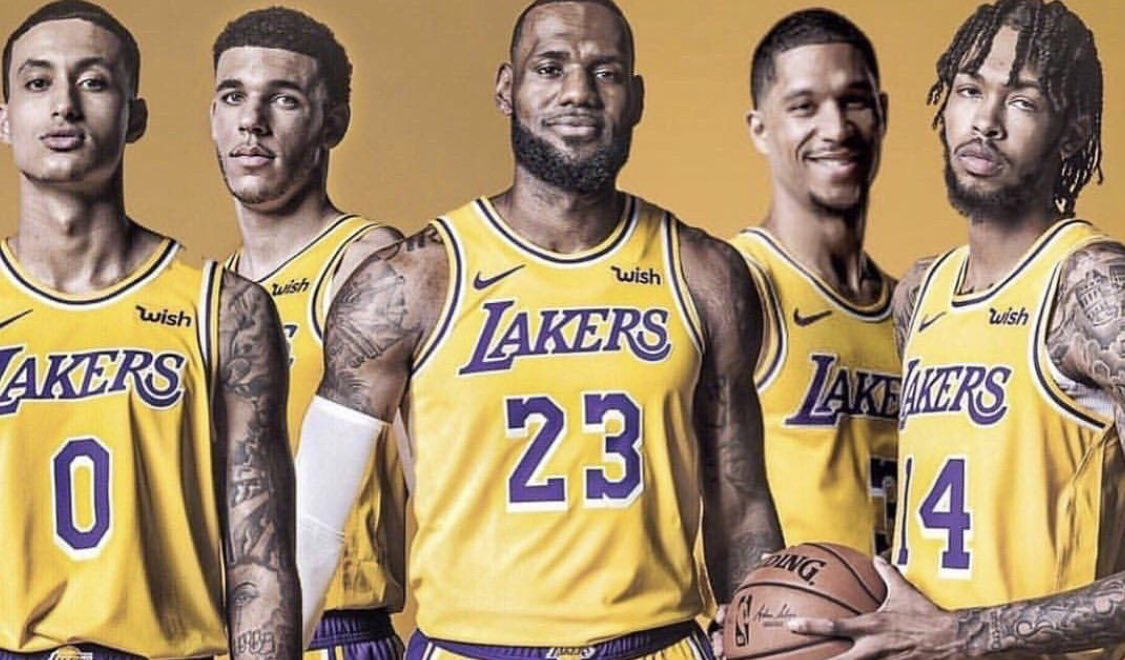 The journey begins tomorrow #Lakers #LakeShow<br>http://pic.twitter.com/CxKoidSpwY