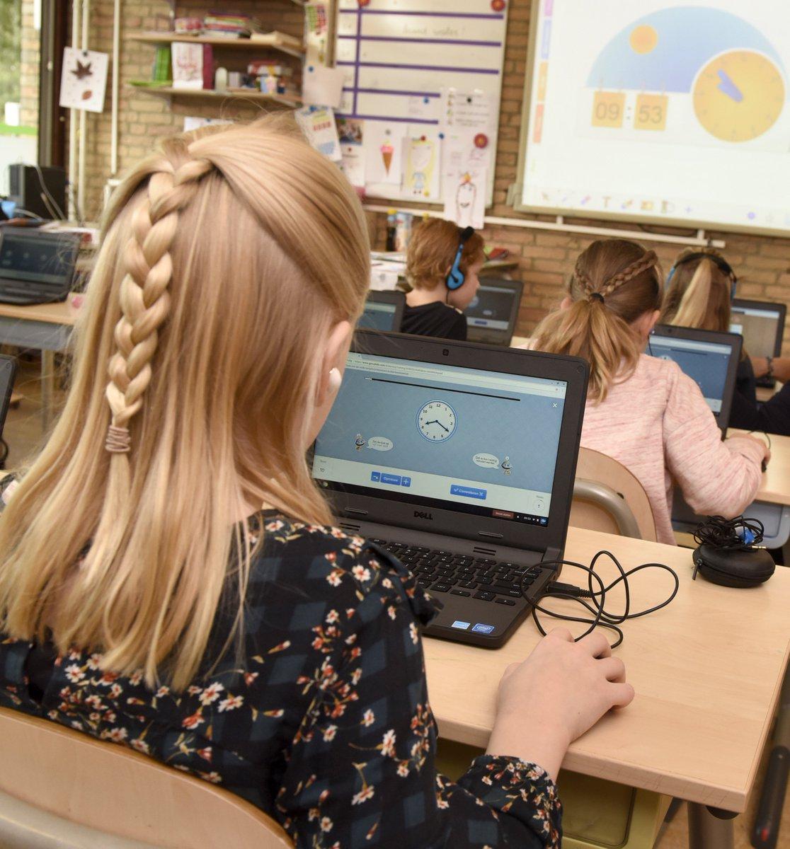 Image for the Tweet beginning: Download onze nieuwe schoolgids via