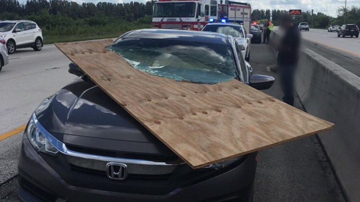 Driver narrowly avoids serious injury as large piece of plywood slices through windshield https://t.co/po1J5LzXVk
