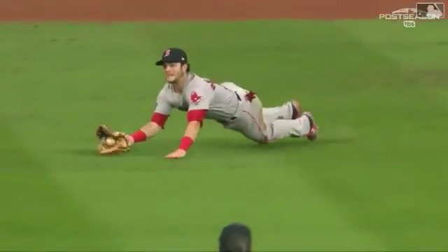 Big. Time. Catch. #ALCS https://t.co/iTIC3hwxwa