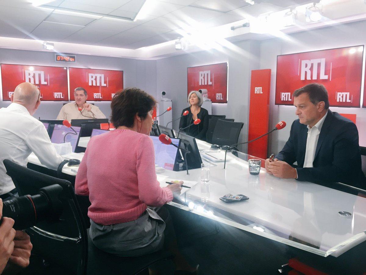 7h45 @louis_aliot face à @EliMartichoux en live vidéo dans #RTLMatin > https://t.co/r32D2Mz0mj