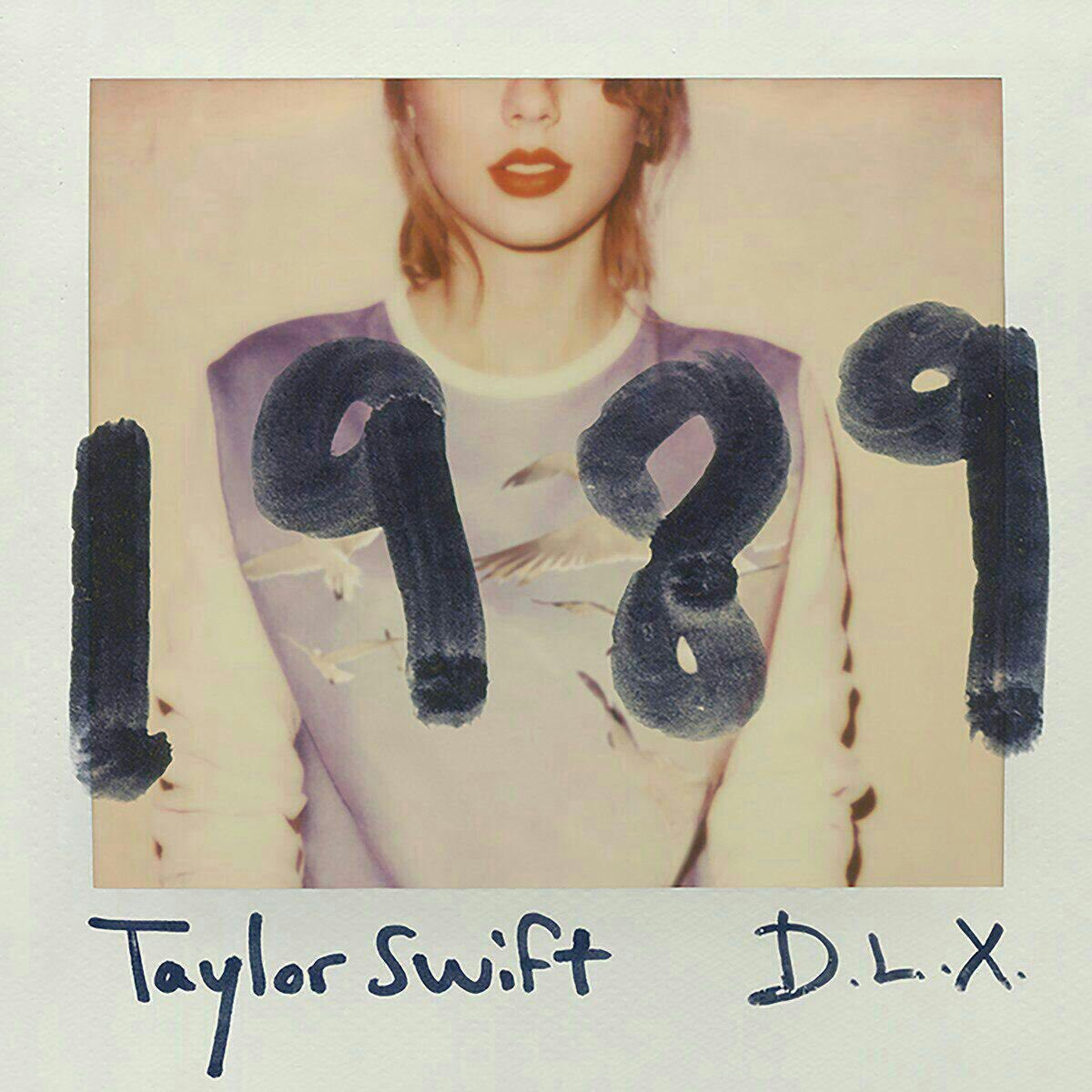 Which era was better and bigger ?!  RT for 1989 by TaylorSwift Like for Prism by KatyPerry <br>http://pic.twitter.com/E76WfvsJr0