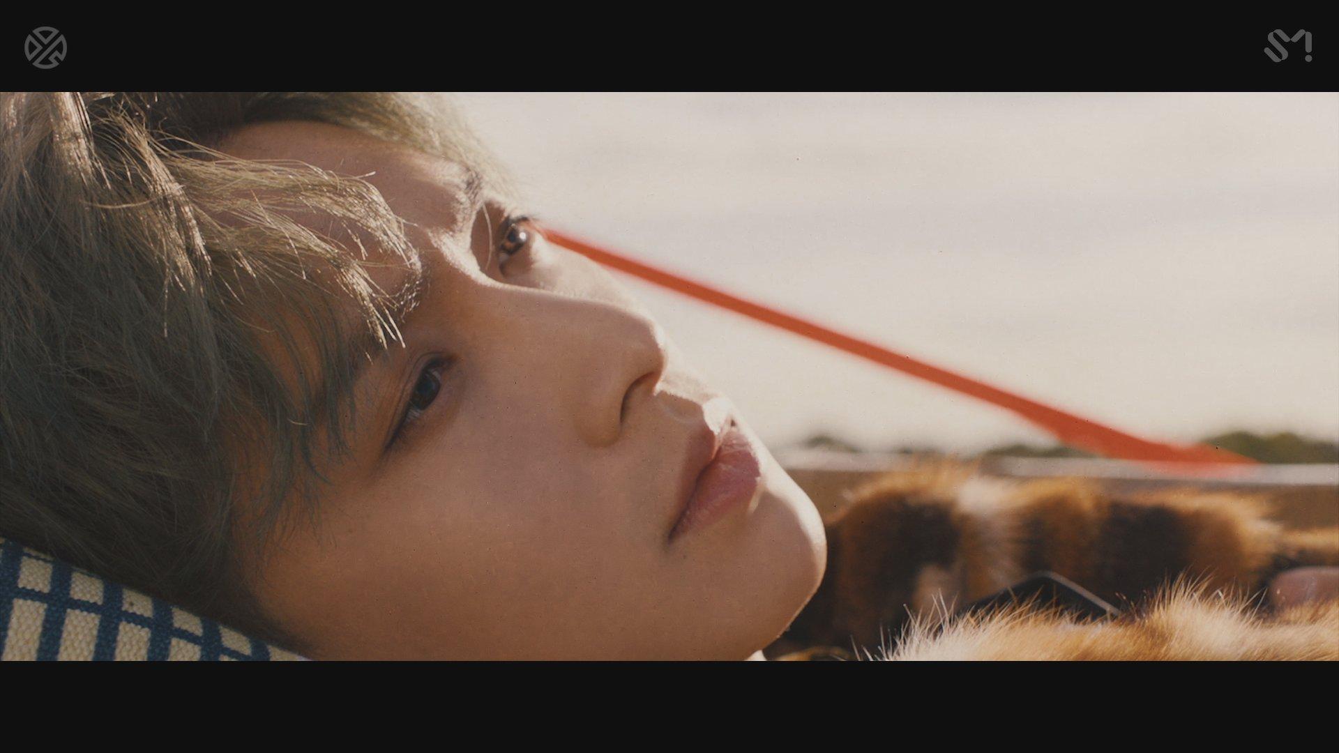 LAY 레이 'NAMANANA' MV Teaser  �� 'NAMANANA' 음원 공개: 2018.10.19. 4PM(KST)   #LAY #레이 #EXO #엑소 #NAMANANA https://t.co/ZdMPC1boVx