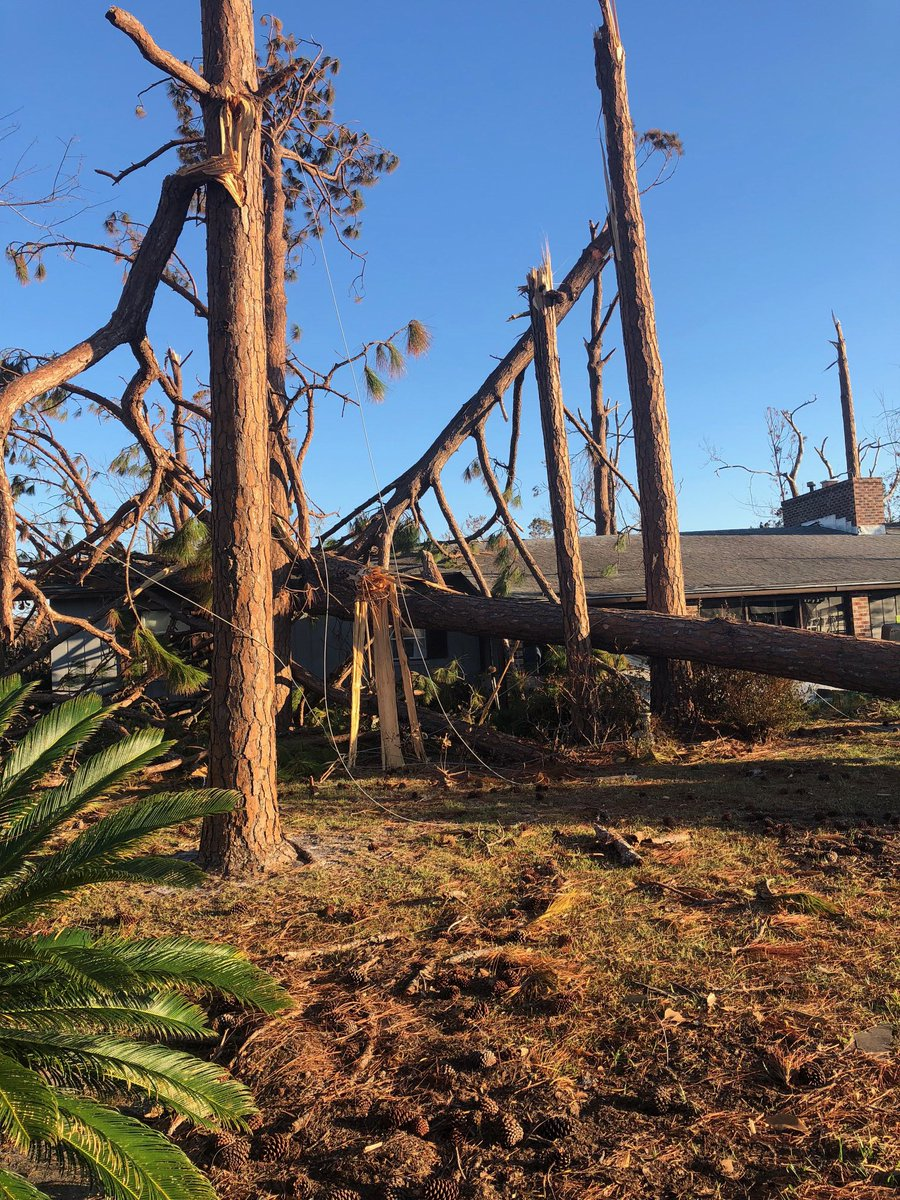 Our teams continue helping with the restoration efforts in the panhandle. This is in Mexico Beach, which was one of the hardest hit areas. #HurricaneMicheal <br>http://pic.twitter.com/LVwaVKRxJ8