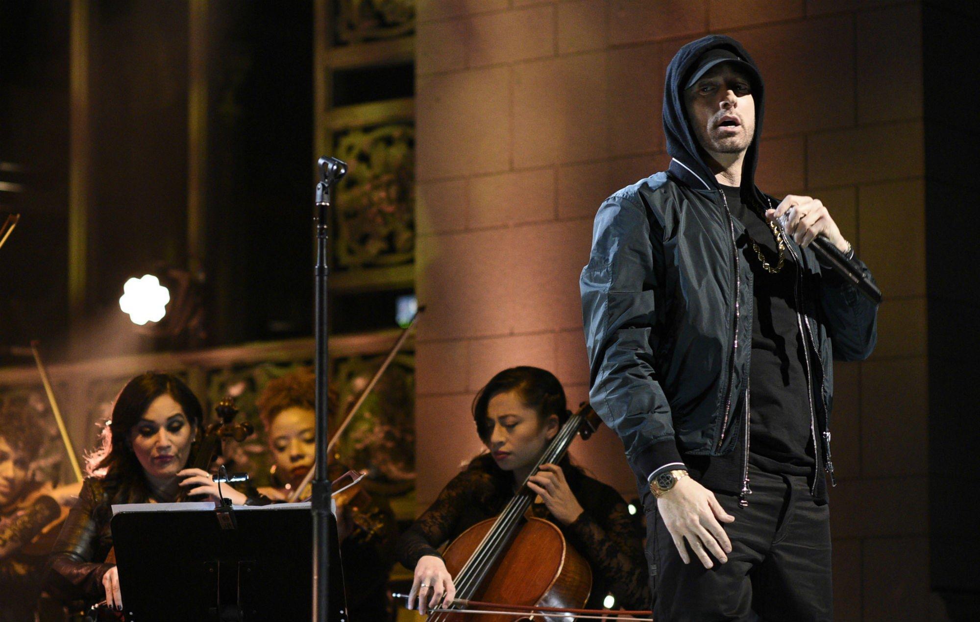 Eminem has now broken two records in 2018 with 'Kamikaze' and 'Killshot' https://t.co/VE9SXd9r8w https://t.co/xkLEQPhEI2