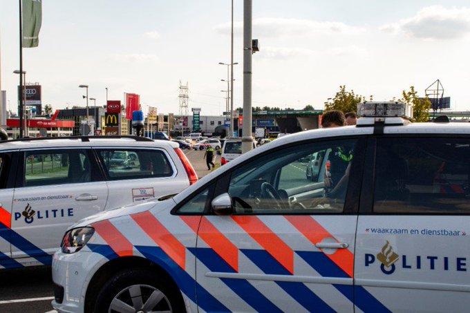 Veel auto's afgesleept bij politiecontrole op A13 https://t.co/IoCh7wyfEp https://t.co/UtzMwBRzPp