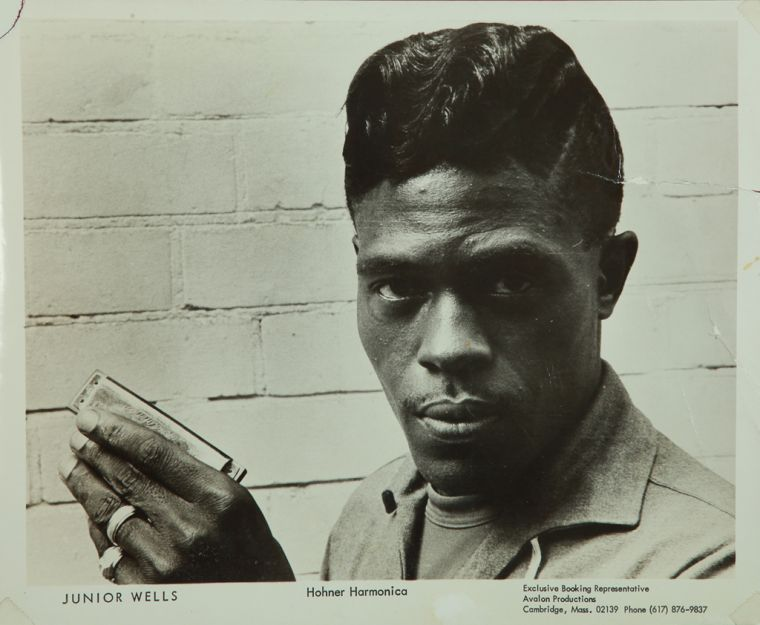 Happy #FridayEve   #JuniorWells ~           Come On In This House   https:// youtu.be/wX-7MPrJQfM  &nbsp;    #tbt  #middaybluesbreak <br>http://pic.twitter.com/DPSr2Njm0a