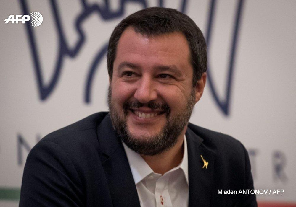 Matteo Salvini, patron de l'extrême droite italienne et homme fort du gouvernement à Rome, a déclaré jeudi qu'il envisageait d'être candidat à la présidence de la Commission européenne https://t.co/mJyjpPsH9i #AFP