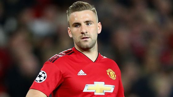 BREAKING: Sky sources: Luke Shaw has signed a new long-term deal with @ManUtd #SSN
