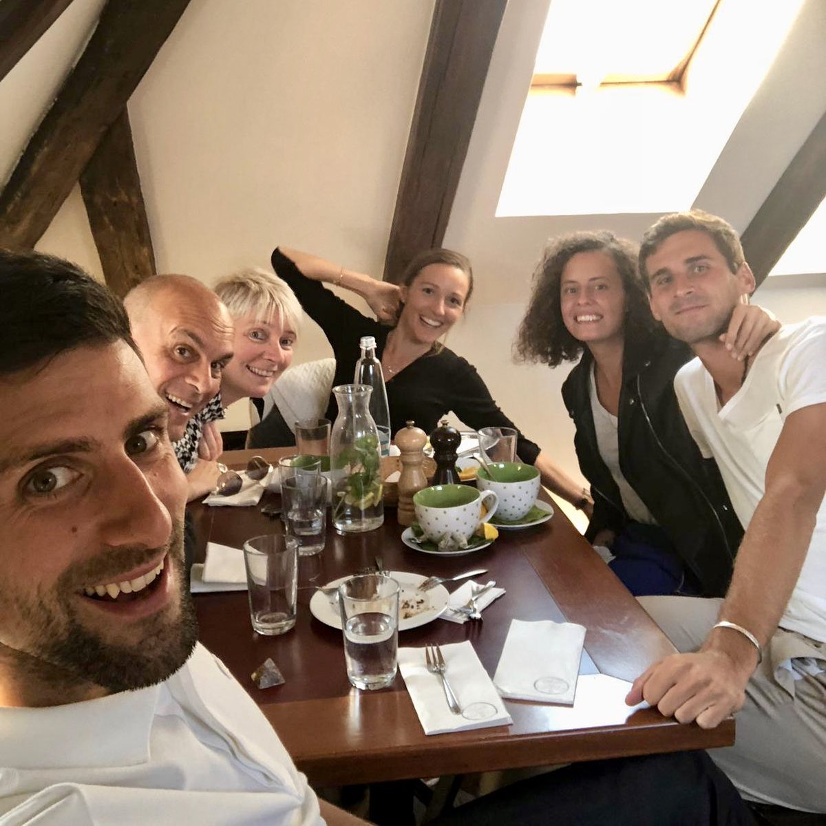 Aww you guys joined us a bit late 😜 All food disappeared 💁🏻♂️😂   Thank you #Prague for great time! Happy to be together with #family ❤️ @jelenadjokovicndf