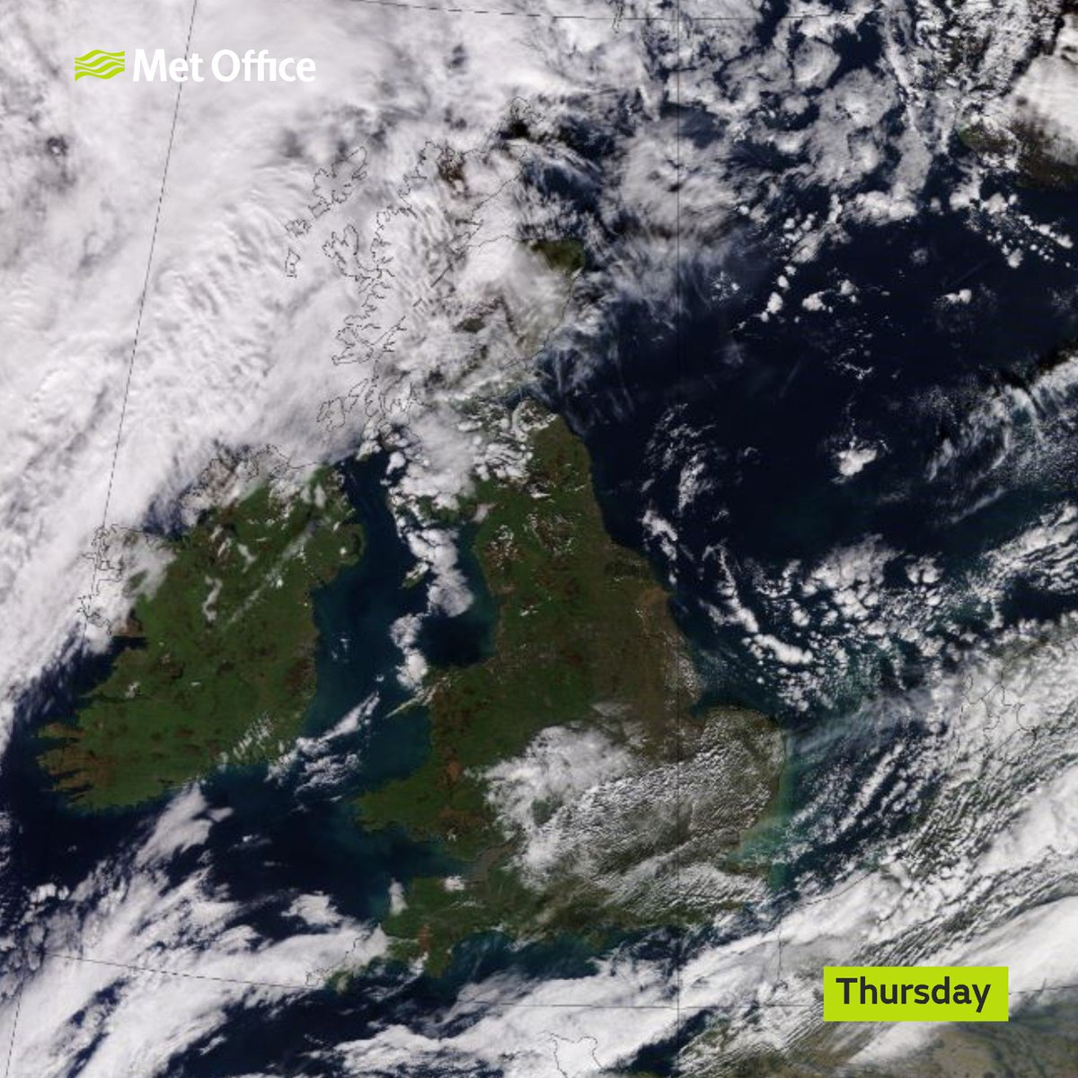 Is it sunny ☀️🌤️where you are this afternoon? Here is the latest satellite picture 🛰️
