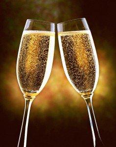 Rebel Lion Non Officiel On Twitter Joyeux Anniversaire Bon Le Champagne Avec Maude Et Ration Et Pas Durant Le Service Https T Co Oiktsmnfee