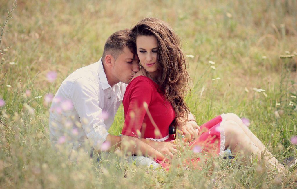 Картинки о любви мужчина и женщина, днем пушистика