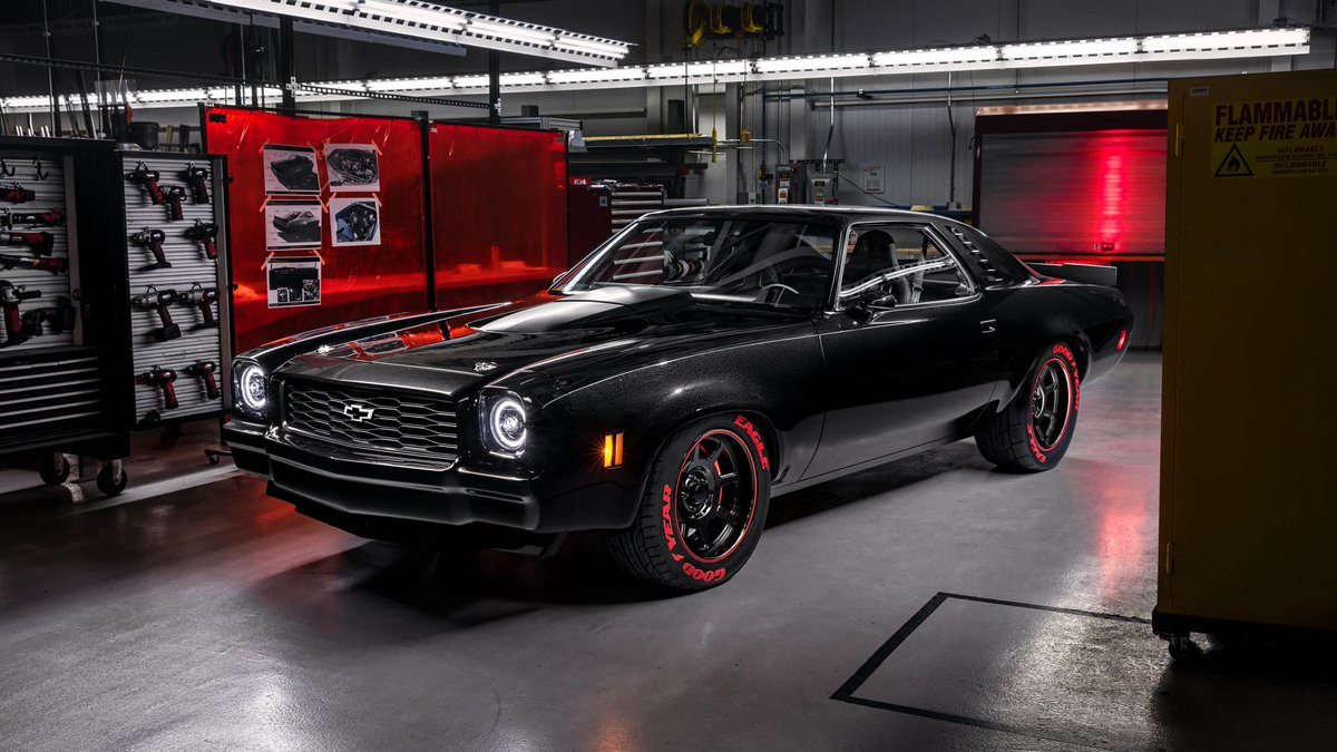 Massively powerful modern engine. 1970s American muscle car. Blend. Yes, Chevy has fitted a '73 Chevelle with a 755bhp ZR1 engine >> https://www.topgear.com/car-news/sema/chevy-has-fitted-73-chevelle-755bhp-zr1-engine …