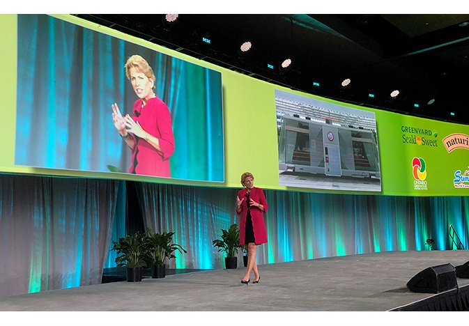 Food safety, consumer trends featured in State of the Industry address at #FreshSummit https://www.thepacker.com/article/food-safety-consumer-trends-featured-state-industry-address … #freshproduce #food #foodsafety #consumertrends