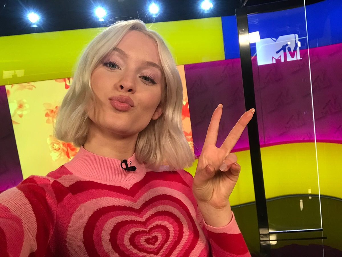SO lovely to have @zaralarsson in the studio with us today 💕 Stay tuned for what we filmed... 👀