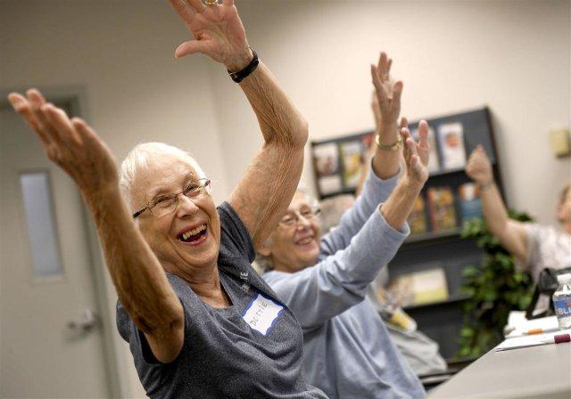 A balance program at UPMC McKeesport aims to keep seniors on their feet. Nurse Melissa Jones, an Aging Institute coach for the A Matter of Balance class, discusses.  http:// bit.ly/2yk0rNJ  &nbsp;  <br>http://pic.twitter.com/NVsze2VTxG