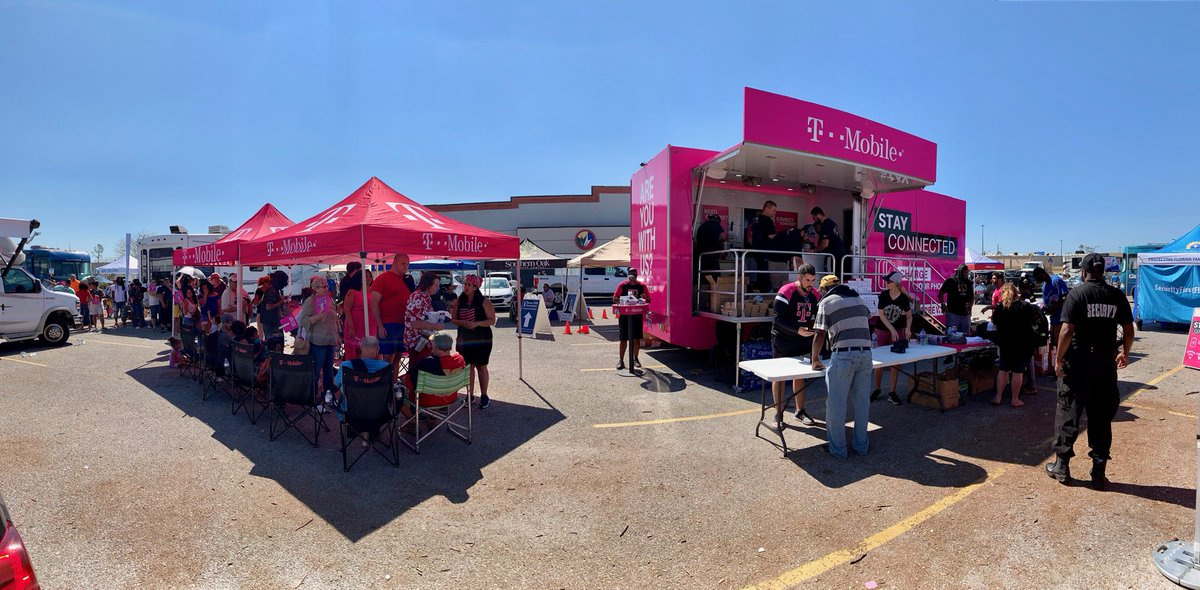 Hundreds of people lined up here at Sam's Club in Panama City. We're getting Bay County residents reconnected to their world, @TMobile customer or not. Our network performing strong for relief/recovery efforts! Special thanks to @TMobile Retail team members! <br>http://pic.twitter.com/Vnw6vRz75q