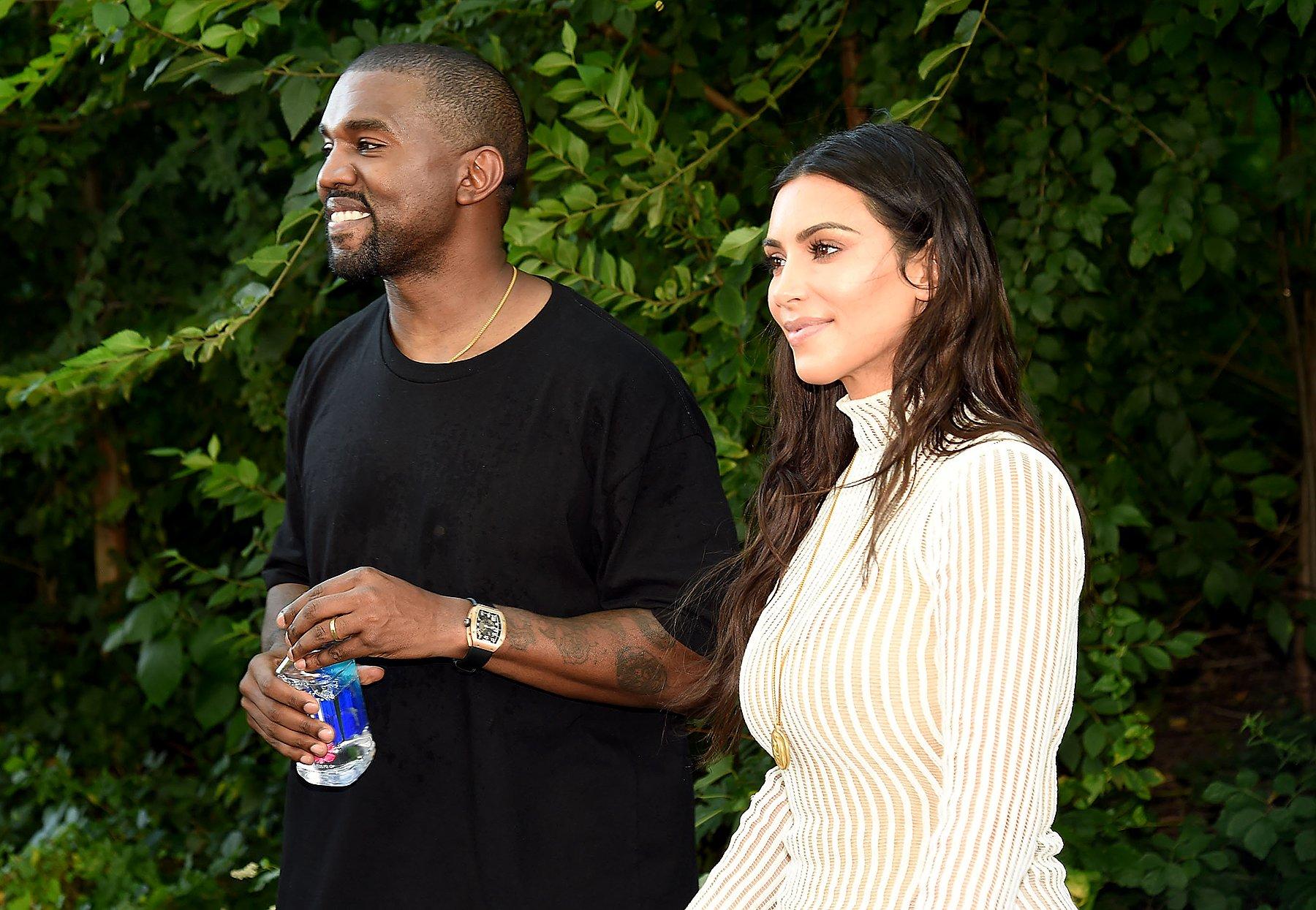 Kim Kardashian and Kanye West are splitting up ���� https://t.co/epwKG7aSBg https://t.co/u7qqojWVlR