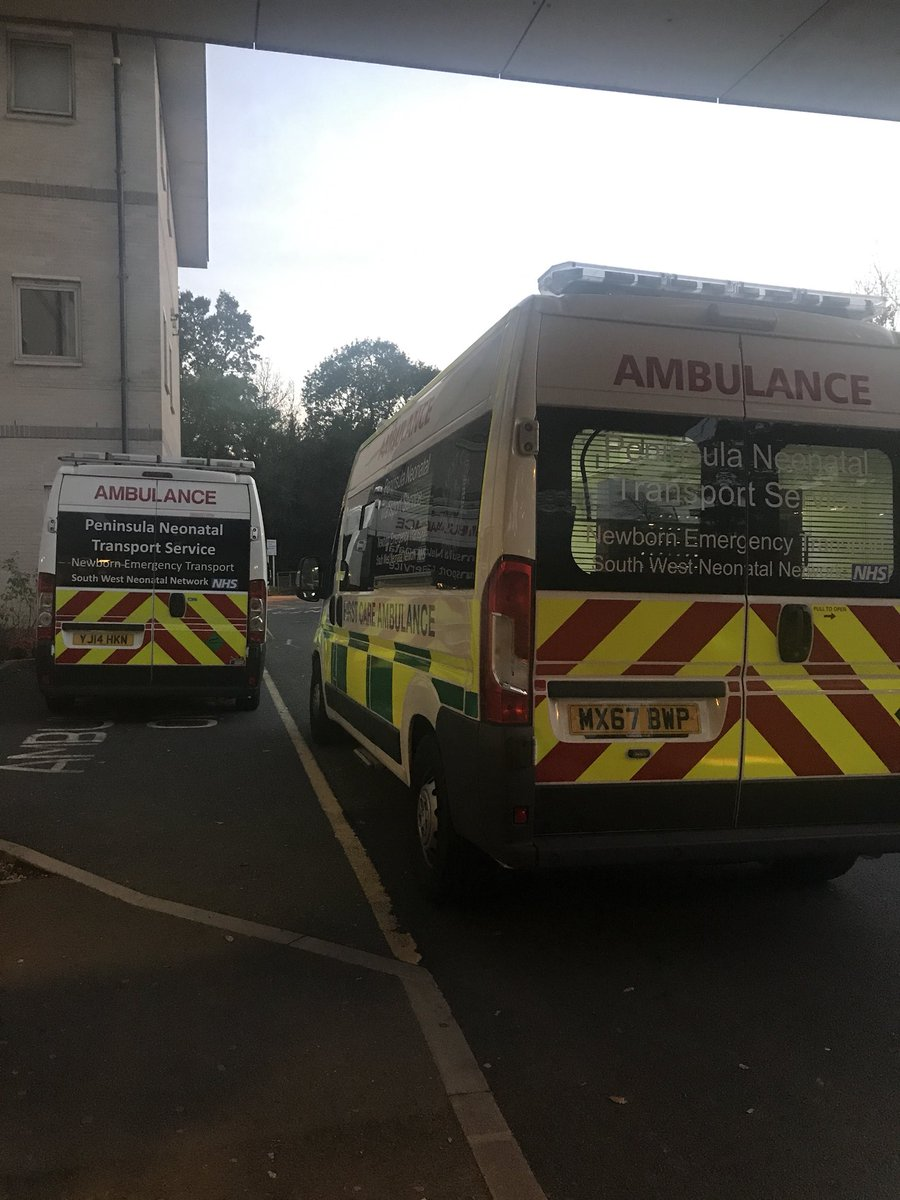 Not 1 but 2 #PNTS Ambulances bringing wee babies into NICU @PHNT_NHS to be cared for by our dedicated teams #neonatology #ophthalmology @OakesKatie @MatronDykes @sue_wilkinsPHNT @swneonatal https://t.co/l49wWkdvmW