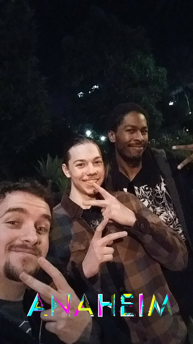 WE OUT HERE WHERE MY BLIZZCON PEEPS AT I need to see and in person meet some dank individuals this year so hit me up!!!!