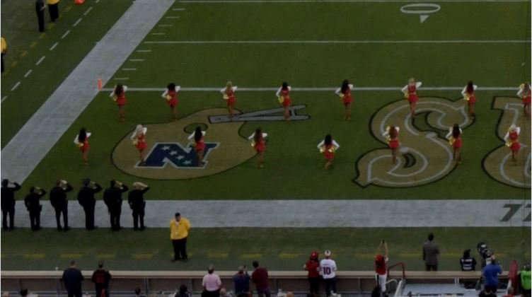 It's believed to be the first time an NFL cheerleader has kneeled since the start of the protest movement two years ago.   https://t.co/aK5cC9Oz4d