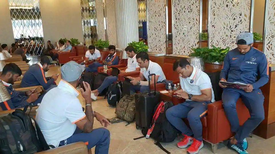 Was #TeamIndia playing #PUBG at Mumbai Airport? Twitter sure thinks so https://t.co/MjyvBwKoWR