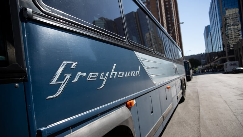 4/7 Greyhound will run its last buses in Western Canada today. https://t.co/2lV1gaXhO7 https://t.co/b3rpy9Jnhe