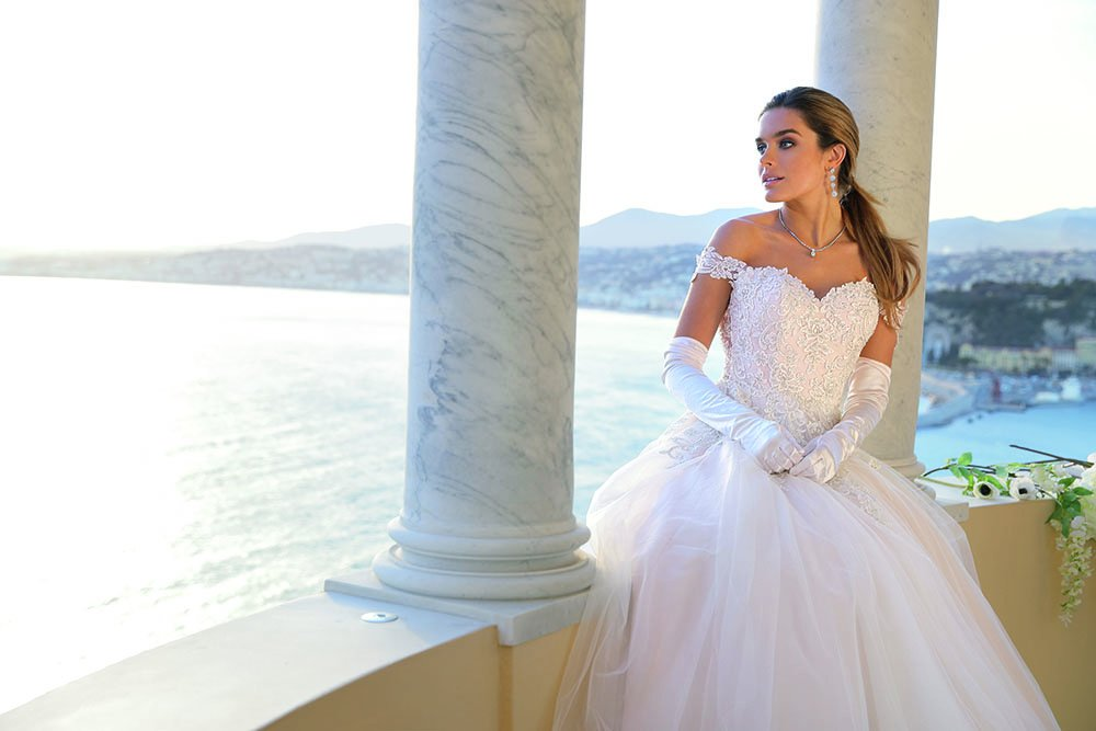 Ladybird is celebrating after its 10th consecutive monthly increase in brides' orders and is offering a 10 per cent discount on orders placed over the next 10 days. Find out more here  http://www. attirebridal.com/news.cfm?News_ ID=12900  …  #bridaldesigner #bridalwear #businessmilestones #bridalretailers<br>http://pic.twitter.com/3DPF6xoGfi