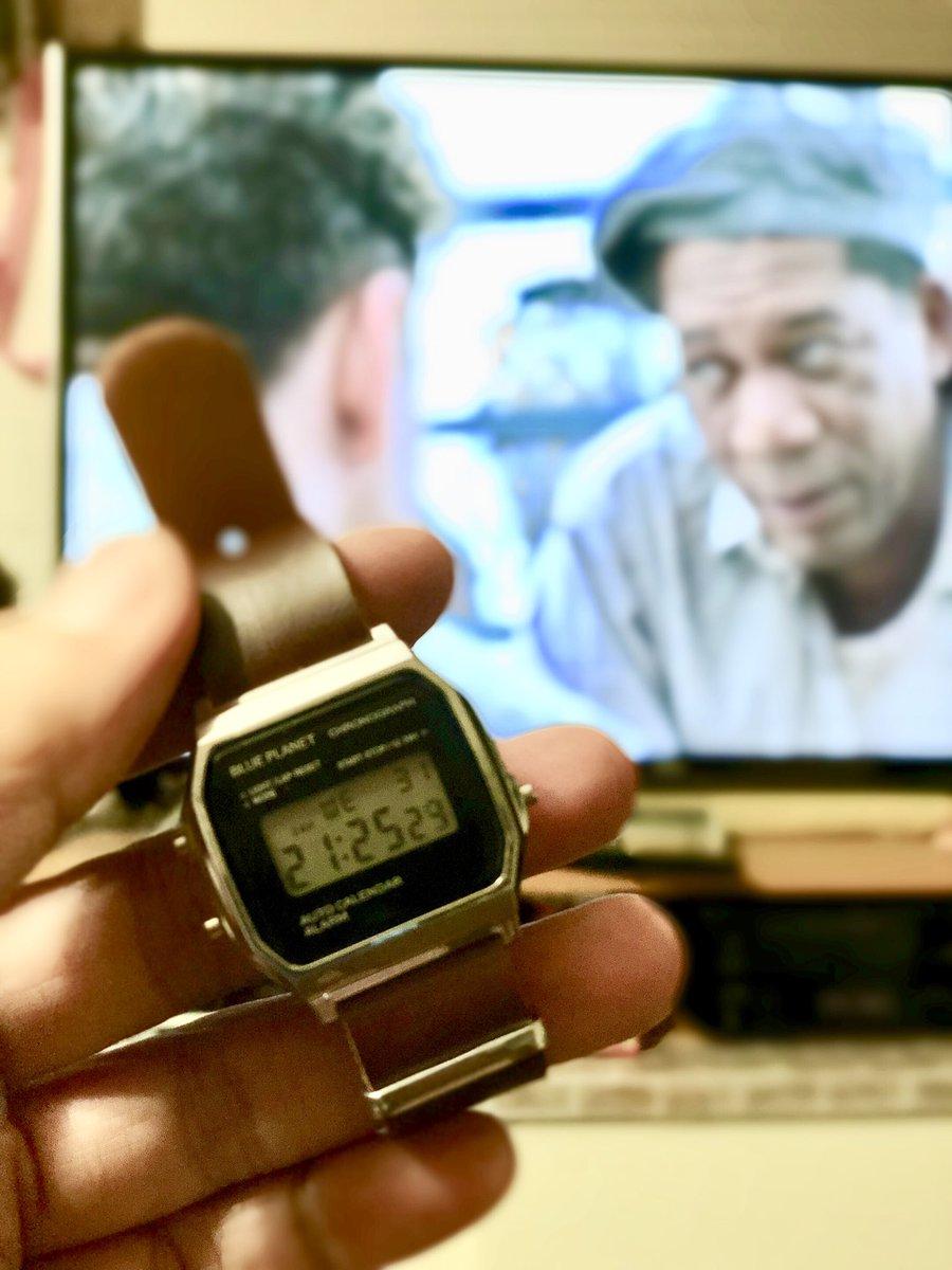 test ツイッターメディア - またしてもダイソーデジタル時計のベルトを交換。アマゾン最安値の革製NATOベルトに変えてみたら、さらに想像の右斜めを行くクッソ小洒落感に驚愕。#ダイソー #チプカシ #NATOベルト https://t.co/Xiy1mfp0Ur