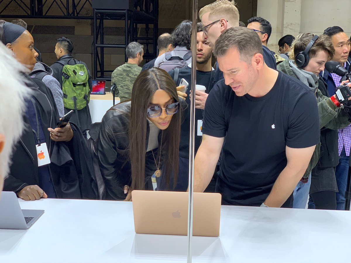 TBW: ⁦@NaomiCampbell⁩, tech enthusiast. #AppleEvent