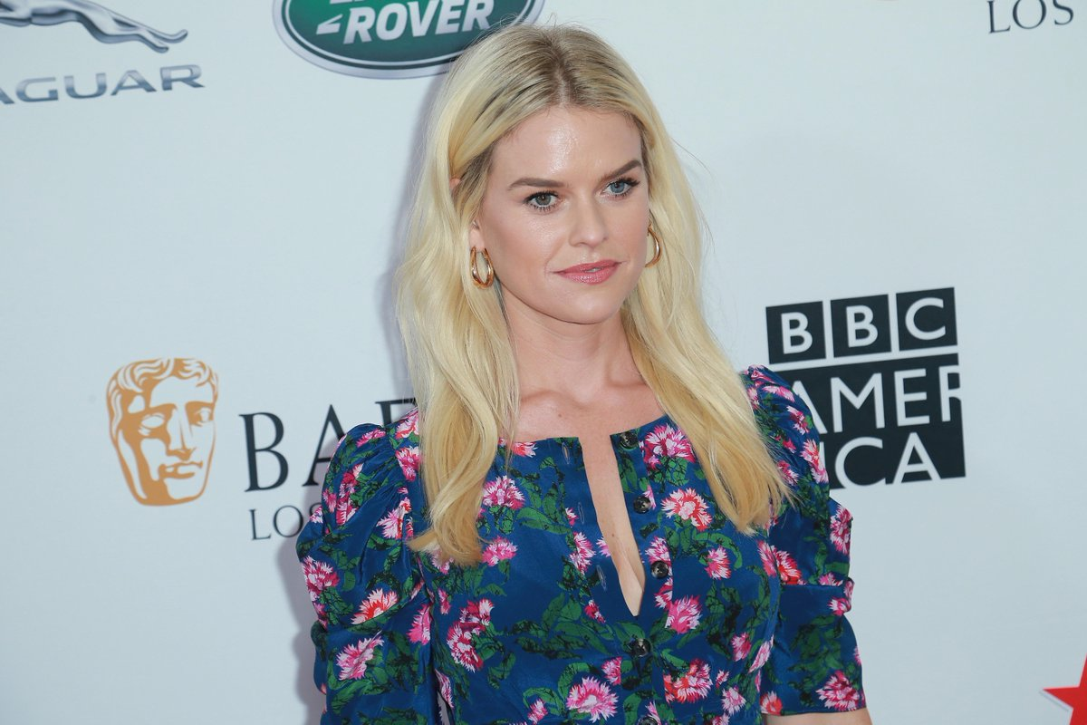 Twitter Alice Eve nudes (35 photo), Topless, Cleavage, Boobs, cleavage 2018