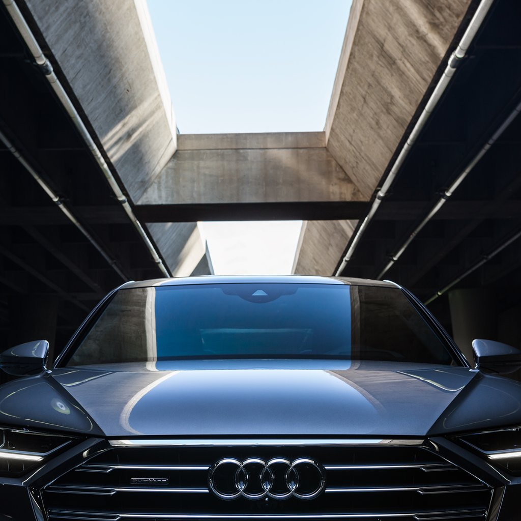 When you find that perfect selfie light. #AudiA8