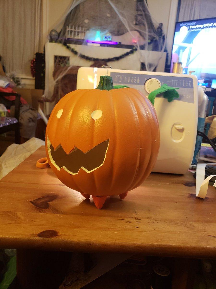 Happy Halloween!  Here's my son's Pumpkin pumpkin that he made from @cartoonnetwork's #StevenUniverse!