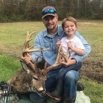 Congrats @jared.fannin.5 on your trophy buck! #deerhunting #bowhunting #hunting #bigbucks #scentblaster #getmorescentout #attractmoregame