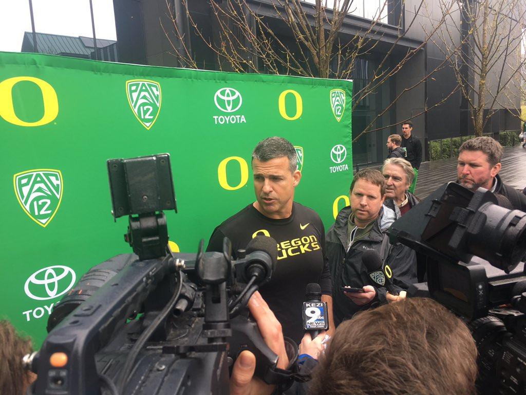 Injury Update For Oregon QB Justin Herbert
