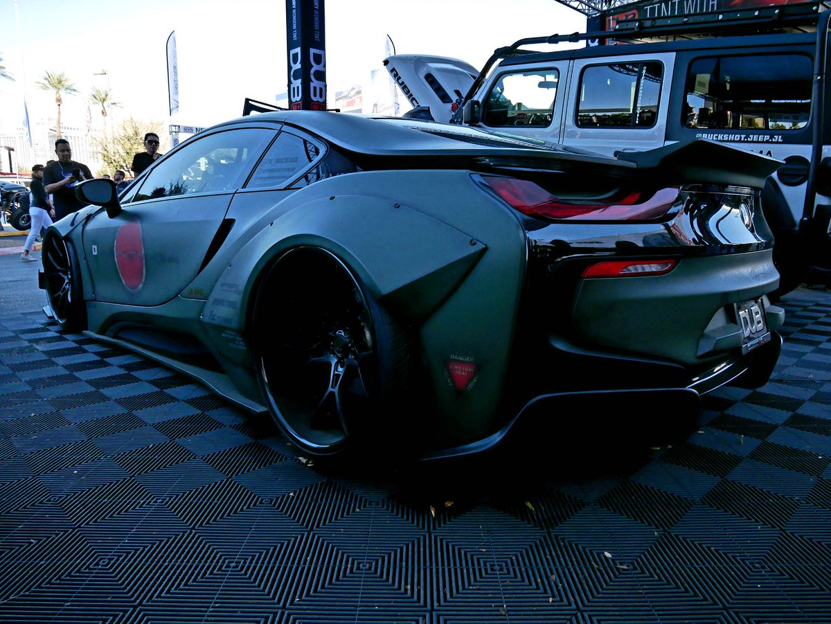 Battle Ready Widebody Bmw I8 From Libertywalk At The Dub Display